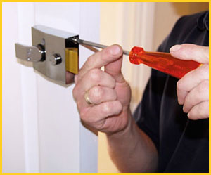 Exclusive Locksmith Service Anaheim, CA 714-923-1198